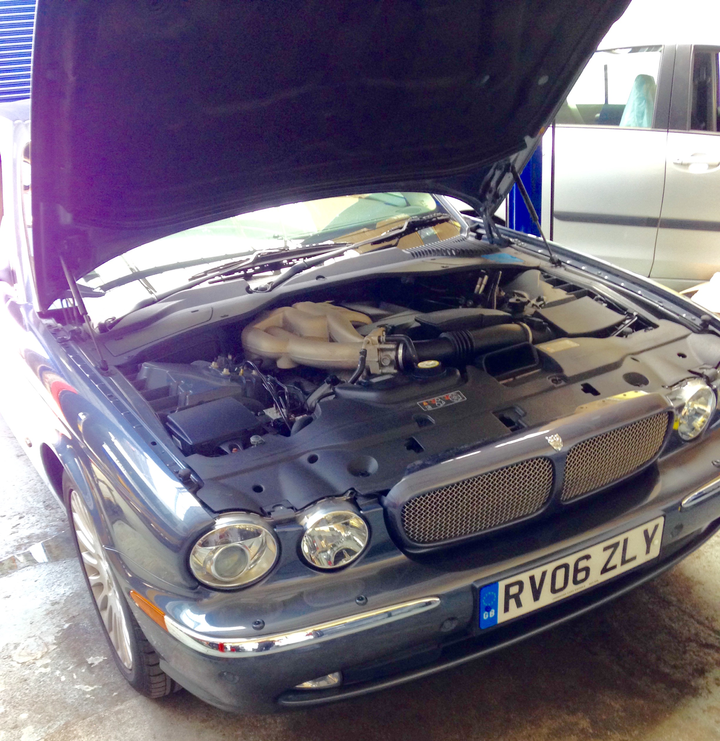 Jaguar Repair Swindon – XJ Gearbox oil change